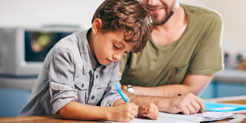 Aiutare i bambini e i ragazzi nello studio: 7 suggerimenti