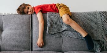 Bambini svogliati e stanchi: come gestire lo stress e quali integratori scegliere