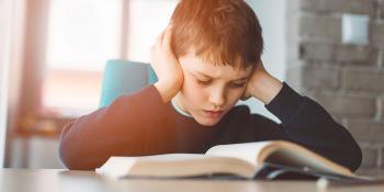 Vitamine e compiti a casa: consigli per bambini che fanno fatica a concentrarsi.