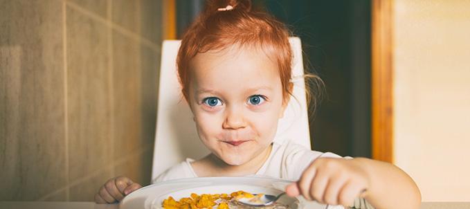 Vitamina D per bambini: meglio a stomaco pieno o vuoto?