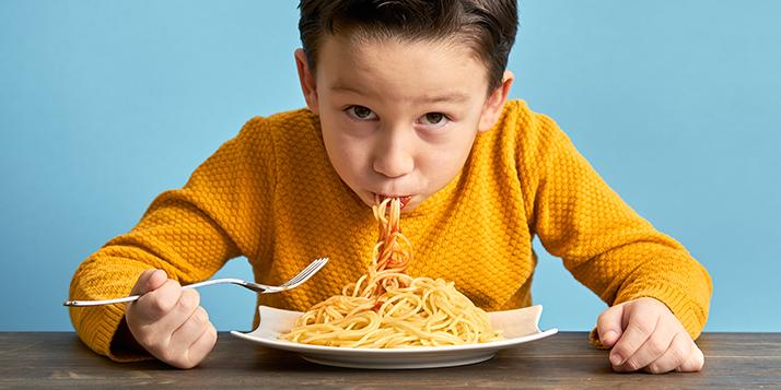 Bambini e alimentazione monotona: quando è giusto integrare